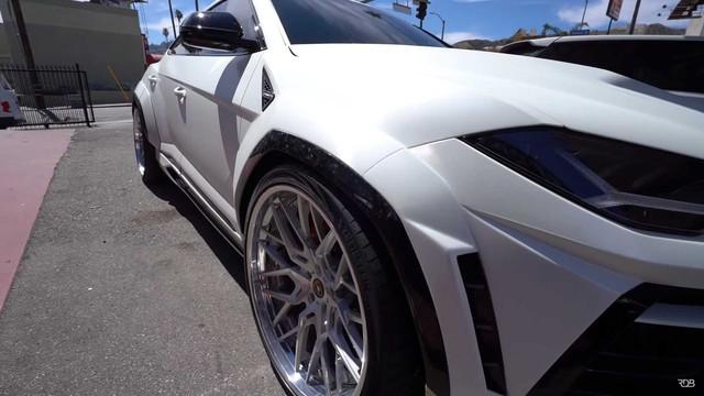 Siêu SUV Lamborghini Urus gây ấn tượng mạnh nhờ bộ bodykit thân rộng hầm hố - Ảnh 2.