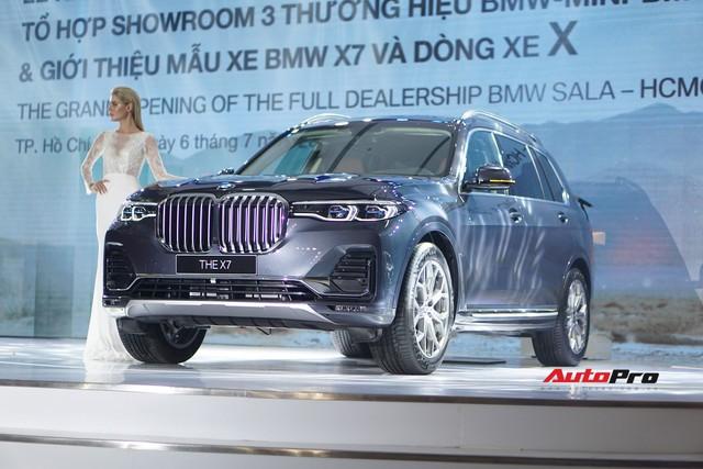 BMW X7 chính hãng chốt giá 7,5 tỷ đồng - Ảnh 1.