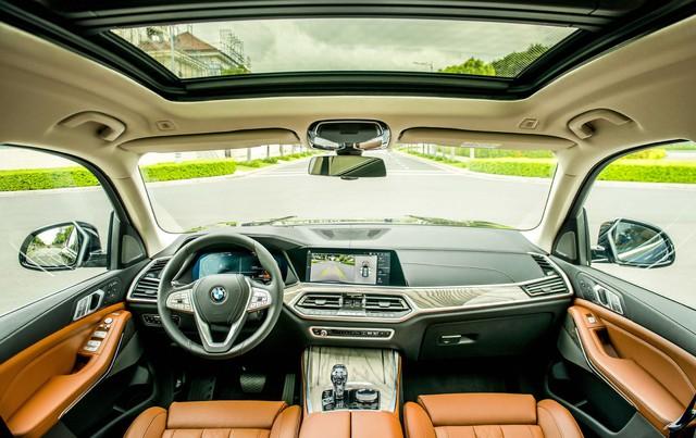 BMW X7 chính hãng chốt giá 7,5 tỷ đồng - Ảnh 3.