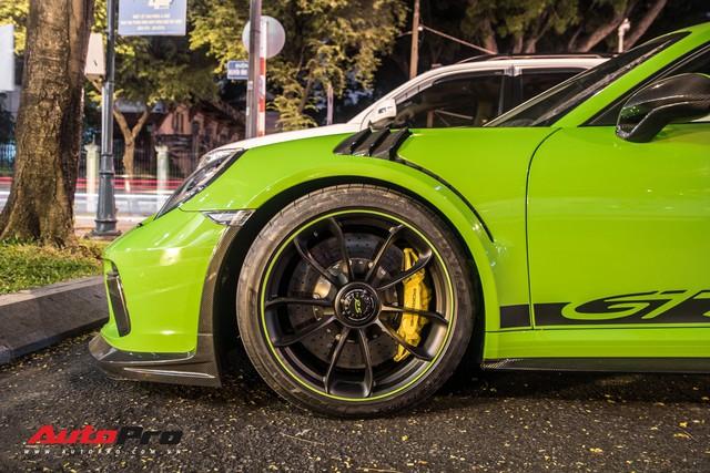 Porsche 911 GT3 RS Lizard Green độc nhất Việt Nam lần đầu ra phố Sài Gòn, thêm nhiều chi tiết độ TechArt Carbon khủng - Ảnh 11.