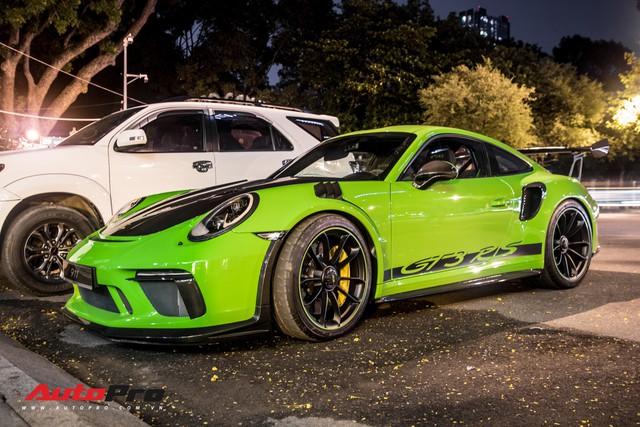 Porsche 911 GT3 RS Lizard Green độc nhất Việt Nam lần đầu ra phố Sài Gòn, thêm nhiều chi tiết độ TechArt Carbon khủng - Ảnh 3.