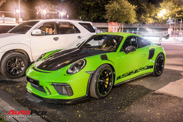 Porsche 911 GT3 RS Lizard Green độc nhất Việt Nam lần đầu ra phố Sài Gòn, thêm nhiều chi tiết độ TechArt Carbon khủng - Ảnh 13.
