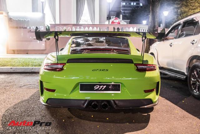 Porsche 911 GT3 RS Lizard Green độc nhất Việt Nam lần đầu ra phố Sài Gòn, thêm nhiều chi tiết độ TechArt Carbon khủng - Ảnh 14.