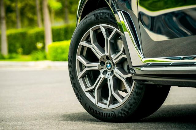 Chi tiết BMW X7 chính hãng: Lấy trang bị và giá bán đè bẹp Lexus LX570 - Ảnh 3.