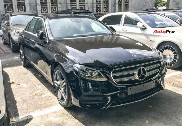 Tóm gọn Mercedes-Benz E350 AMG và E200 Sport 2019 trước ngày ra mắt tại Việt Nam - Ảnh 1.