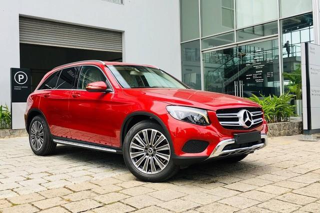 Mercedes-Benz GLC bán khoảng 210 xe/tháng - Thách thức lớn của BMW X3 2019 vừa giới thiệu tại Việt Nam - Ảnh 1.