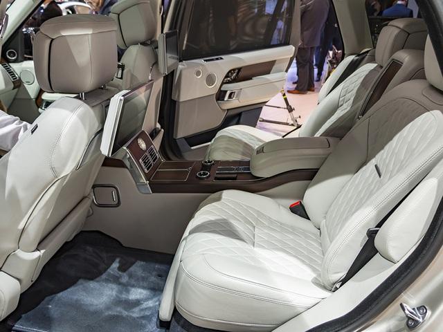 Range Rover SVAutobiography 2019 hàng hiếm giá ngang siêu xe về tay đại gia Hà Nam - Ảnh 3.