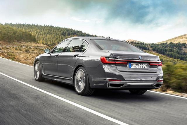 BMW 7-Series sắp có thay đổi cực lớn, Mercedes S-Class cần dè chừng - Ảnh 1.