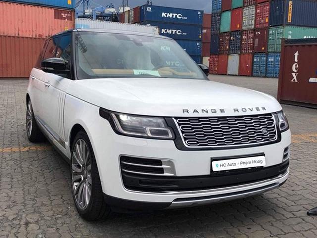Range Rover SVAutobiography 2019 hàng hiếm giá ngang siêu xe về tay đại gia Hà Nam - Ảnh 1.