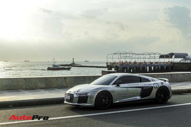 Doanh nhân Đặng Lê Nguyên Vũ bán lại Audi R8 V10 Plus cho một showroom ở Sài Gòn - Ảnh 6.