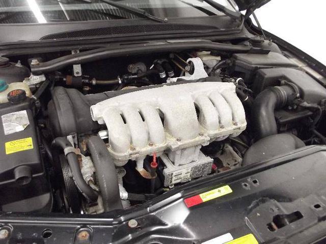 Limousine Volvo S80 đời 2001 từng tháp tùng nhân viên ngoại giao Thụy Điển đăng bán giá chưa tới 4.000 USD - Ảnh 3.
