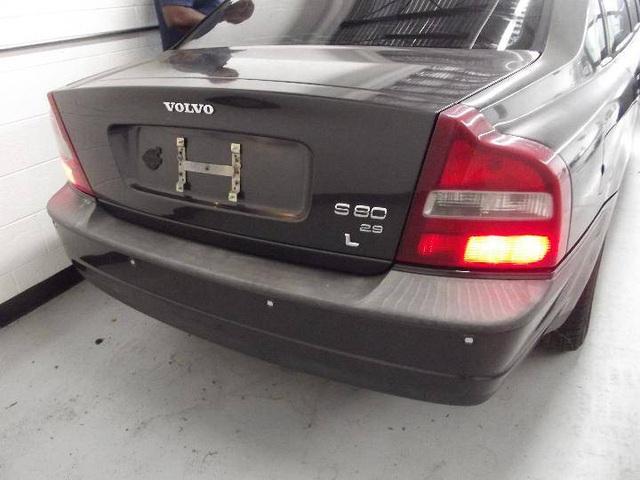 Limousine Volvo S80 đời 2001 từng tháp tùng nhân viên ngoại giao Thụy Điển đăng bán giá chưa tới 4.000 USD - Ảnh 4.
