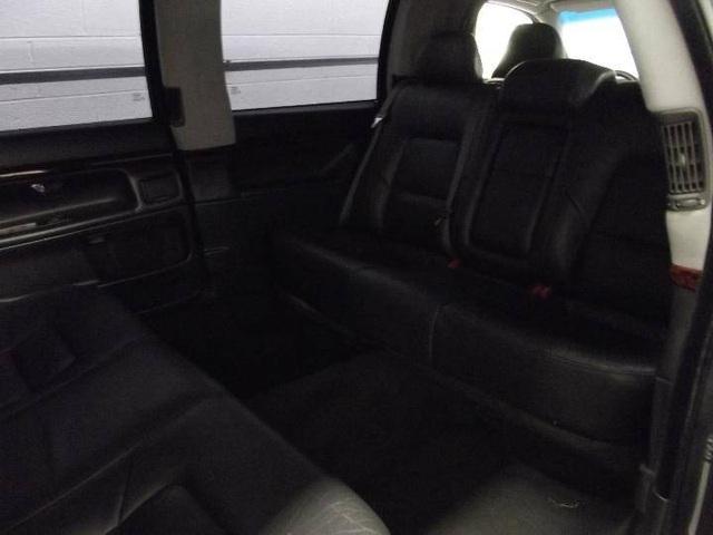 Limousine Volvo S80 đời 2001 từng tháp tùng nhân viên ngoại giao Thụy Điển đăng bán giá chưa tới 4.000 USD - Ảnh 6.