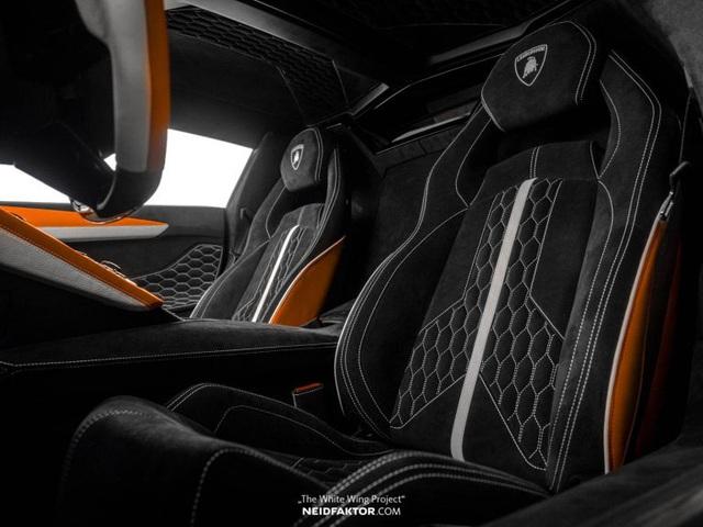 Lamborghini Aventador độ nội thất khủng, chi phí ngang một chiếc Land Rover Discovery Sport 2019 - Ảnh 2.