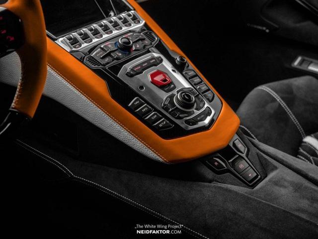 Lamborghini Aventador độ nội thất khủng, chi phí ngang một chiếc Land Rover Discovery Sport 2019 - Ảnh 7.