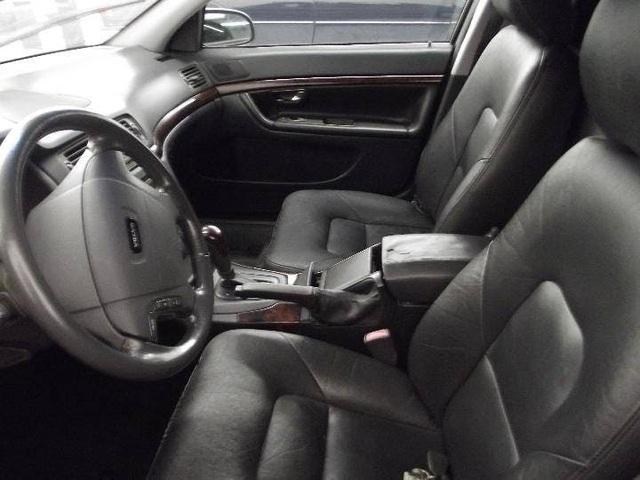 Limousine Volvo S80 đời 2001 từng tháp tùng nhân viên ngoại giao Thụy Điển đăng bán giá chưa tới 4.000 USD - Ảnh 5.