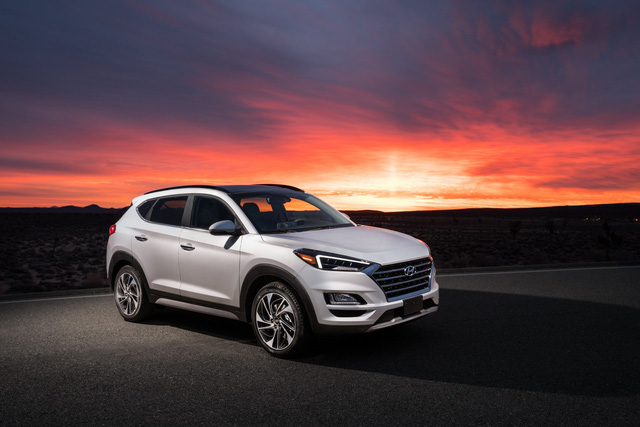 Hyundai Tucson nâng cấp nhẹ, tăng sức cạnh tranh Honda CR-V - Ảnh 1.