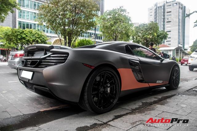 Vừa thay áo mới, McLaren 650S Spider của đại gia Bến Tre đã lên decal phong cách xe đua nhưng có 2 chi tiết đáng chú ý hơn cả - Ảnh 11.