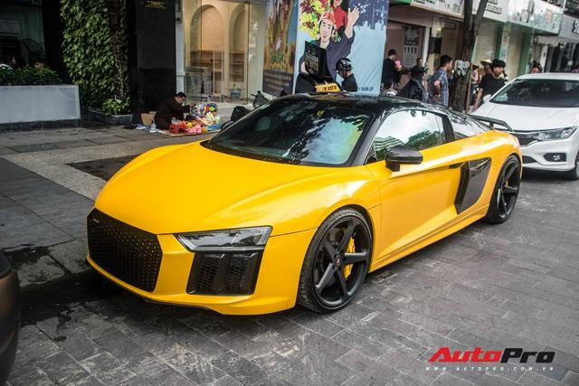 Sau khi thay áo mới, Audi R8 V10 Plus của đại gia Bến Tre liên tục xuất hiện trên đường phố Sài Gòn - Ảnh 1.