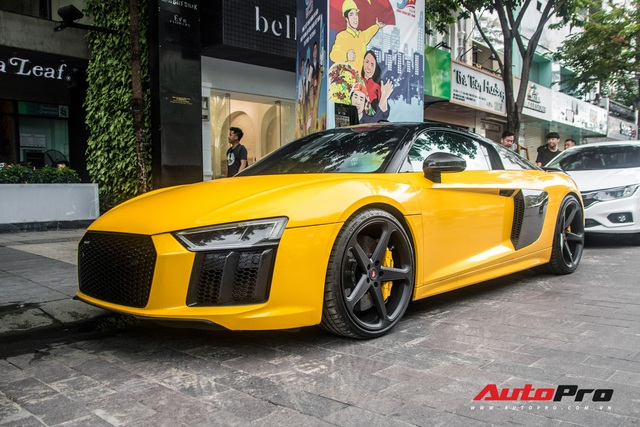 Sau khi thay áo mới, Audi R8 V10 Plus của đại gia Bến Tre liên tục xuất hiện trên đường phố Sài Gòn - Ảnh 4.