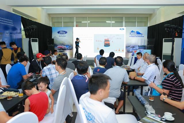 Ford đưa dàn SUV, bán tải đi khắp Việt Nam - Tham vọng tăng doanh số xe gầm cao - Ảnh 3.