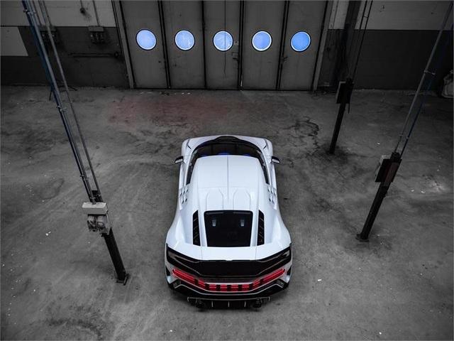 Siêu phẩm mới của Bugatti được hé lộ: Chỉ 10 chiếc được sản xuất với giá 8,9 triệu USD/xe - Ảnh 10.