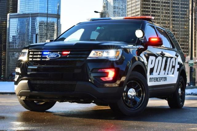 Dùng Ford Explorer, cảnh sát Mỹ... suýt chết ngạt - Ảnh 2.