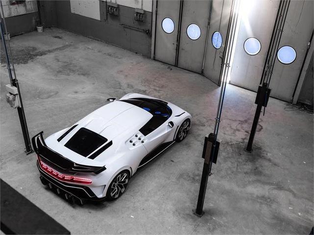 Siêu phẩm mới của Bugatti được hé lộ: Chỉ 10 chiếc được sản xuất với giá 8,9 triệu USD/xe - Ảnh 7.