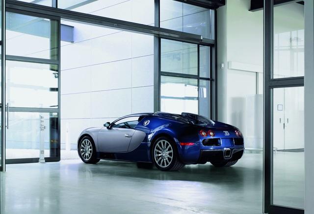 Xe cổ Bugatti như EB110 hay Veyron đang tăng giá chóng mặt, chính vì thế, mua Bugatti chưa bao giờ sợ lỗ - Ảnh 1.