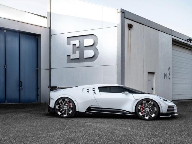 Bugatti Centodieci chính thức trình diện với giá cắt cổ - Ảnh 2.