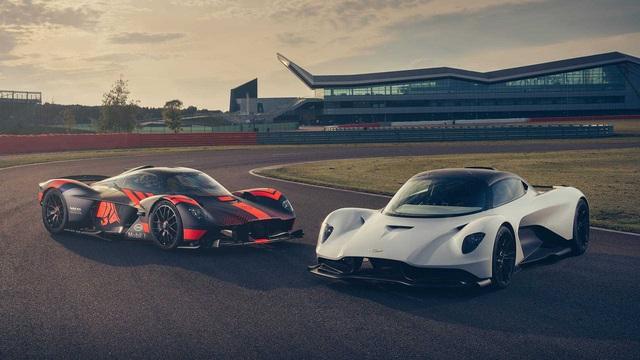 Cặp đôi siêu phẩm mới Aston Martin Valkyrie và Valhalla tỉ thí trên đường đua