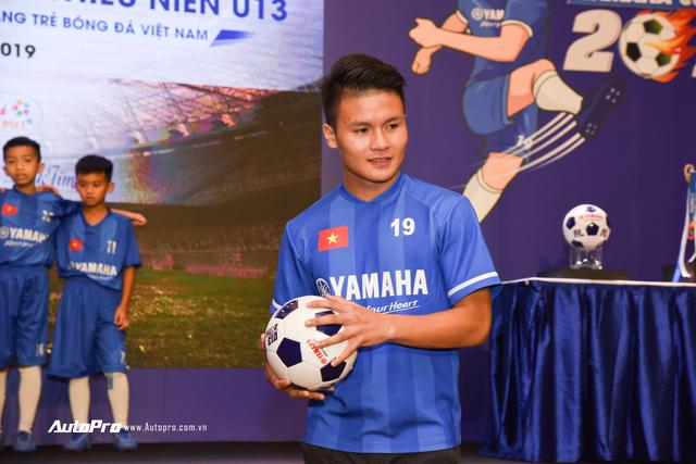 Quang Hải đồng hành cùng U13 Yamaha Cup 2019, nâng cao an toàn khi đi xe máy cho trẻ em Việt Nam - Ảnh 1.