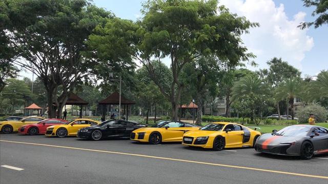 Dân chơi mang dàn Audi R8 đủ màu sắc hội ngộ tại Sài Gòn, chiếc nào cũng có tiểu sử đặc biệt - Ảnh 3.