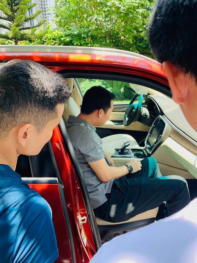 Chủ tịch Đoàn Hiếu Minh muốn cá nhân hoá VinFast Lux SA2.0 theo kiểu Rolls-Royce - Ảnh 3.