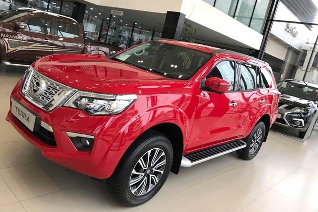 Nissan Terra liên tục giảm giá: Cao nhất hơn 900 triệu, rẻ hơn gần 400 triệu đồng so với Toyota Fortuner - Ảnh 2.