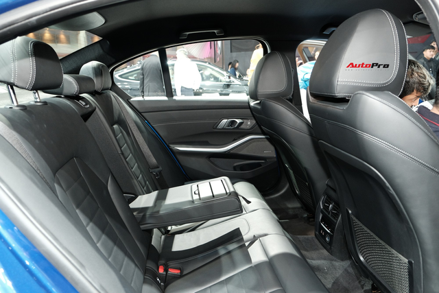 BMW 3-Series 2019 lộ diện ở đại lý, người mua chưa nhận xe đã đặt gói độ hàng trăm triệu đồng - Ảnh 8.
