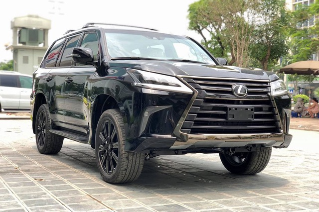 Những mẫu SUV full-size giá tiền tỷ làm nức lòng giới nhà giàu Việt Nam - Ảnh 1.