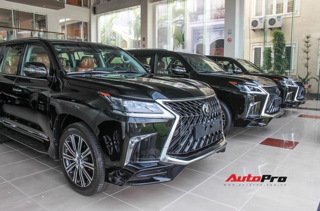 Đại gia Việt mạnh tay chi cả chục tỷ đồng sắm Lexus LX570 bản đặc biệt: Có hàng hiếm sản xuất giới hạn trên thế giới - Ảnh 2.