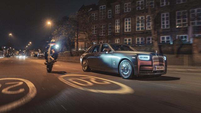 Rolls-Royce nói không với công nghệ hybrid để 'nhảy cóc' phát triển xe điện