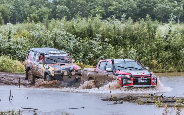 Lần đầu ra biển lớn, Racing Aka đạt thành thích cao trong giải đua xe địa hình châu Á - Ảnh 1.