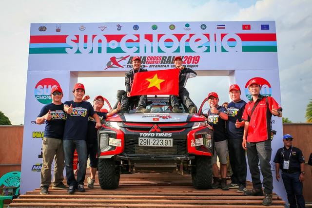 Lần đầu ra biển lớn, Racing Aka đạt thành thích cao trong giải đua xe địa hình châu Á - Ảnh 4.
