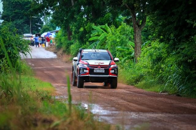Lần đầu ra biển lớn, Racing Aka đạt thành thích cao trong giải đua xe địa hình châu Á - Ảnh 2.