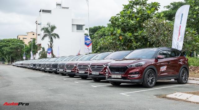 Dàn xe hơn 100 chiếc Hyundai nối đuôi nhau đi sự kiện ở Sài Gòn - Ảnh 4.