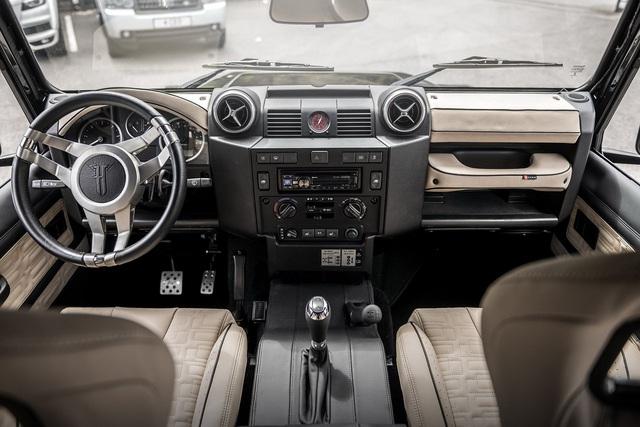 Khám phá bán tải 6 bánh Land Rover Defender Flying Huntsman 6x6 có giá ngang Ferrari 488 GTB - Ảnh 5.
