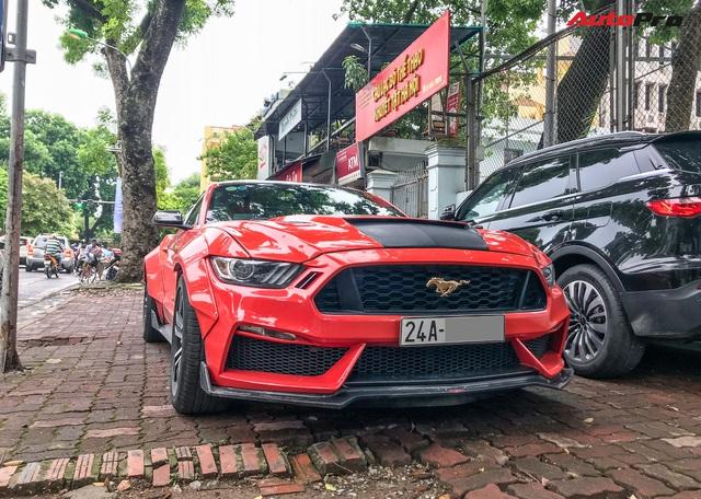 Dân chơi Lào Cai mang Ford Mustang độ phong cách chẳng giống ai tới Hà Nội - Ảnh 1.