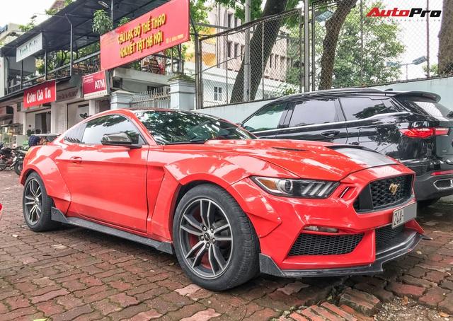 Dân chơi Lào Cai mang Ford Mustang độ phong cách chẳng giống ai tới Hà Nội - Ảnh 2.