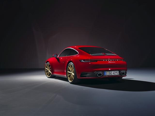 Porsche 911 Carrera Coupe và Cabriolet thế hệ mới có giá từ gần 7 tỷ đồng tại Việt Nam - Ảnh 2.