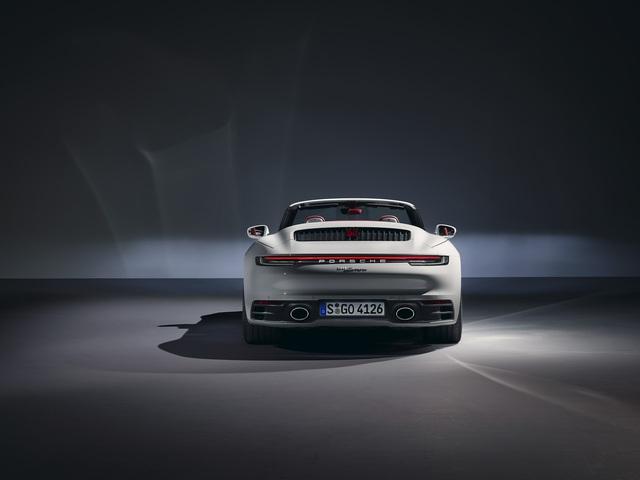 Porsche 911 Carrera Coupe và Cabriolet thế hệ mới có giá từ gần 7 tỷ đồng tại Việt Nam - Ảnh 7.