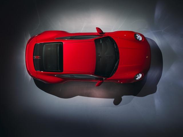 Porsche 911 Carrera Coupe và Cabriolet thế hệ mới có giá từ gần 7 tỷ đồng tại Việt Nam - Ảnh 1.