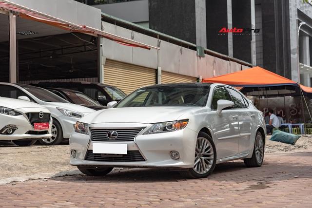 6 năm chạy chưa tới 20.000km, Lexus ES350 hạ giá chỉ 1,6 tỷ đồng - Ảnh 11.